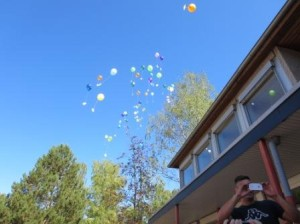99 Luftballons auf ihrem Weg ...